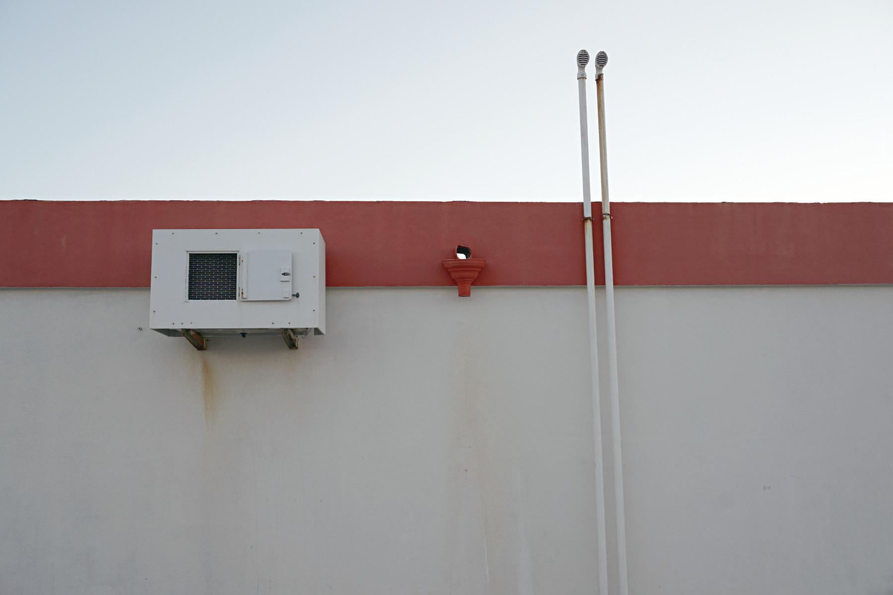 Rückseite einer Bootstankstelle